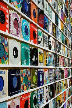 wall of single #vinyl
