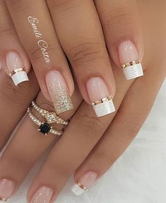 Inspiring nail art design with golden and white colors