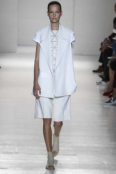 Victoria Beckham Spring 2014 Ready-to-Wear Collection Slideshow on Style.com #nyfashionweek