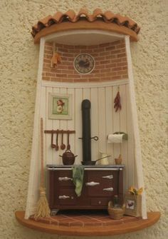 Vitrine Miniature, Miniature Rooms, Miniature Furniture, Diy Crafts Slime, Clay Crafts, Azulejos Diy, Clay Wall Art, Christmas Gingerbread House, Clay Houses