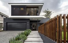 Beautiful Australian Modern Homes. New homes and old homes with modern renovation additions using JH Scyon cladding. House Cladding, Exterior Cladding, Wall Cladding, Facade House, Cladding Ideas, Modern House Facades, Modern Architecture House, Modern House Design, Sustainable Architecture