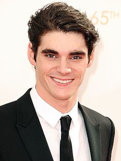 "RJ Mitte Calls Out Assumption People Often Make About Disabilities, ""No one ever thinks about it like that."""