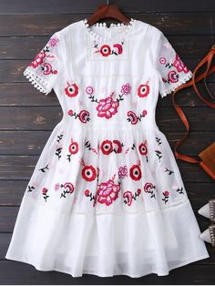 $44.99 Embroidered Floral Dress - WHITE XL