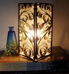 Pretty Gale Paper Lamp