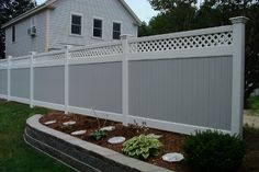 Which is Better, Wood or Vinyl Fence?