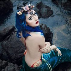 See this Instagram photo by @larimaza Real Life Mermaids, Fake Pictures, Real Women, Body Painting, Snow White, Creatures, Wonder Woman, Cosplay, Statue