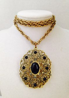Vintage Ornate 30 inch Long Black & Gold Tone Pendant Necklace