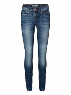 LULU NW SLIM BA902 JEANS NM VERO MODA #veromoda #noisymay #jeans #denim #fashion @Veronica Sartori MODA