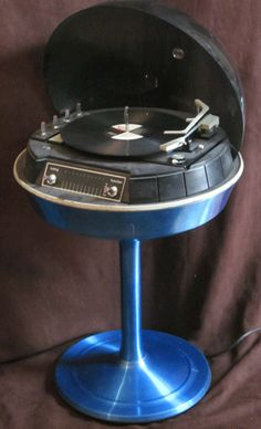 Vintage Electrohome Apollo 712 Floor Model Dome Stereo