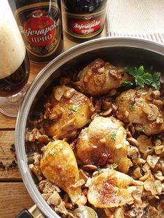 Step-by-step: Sočna piletina u crnom pivu Chicken Wings, Main Dishes, Meals, Dinner, Soups, Recipes, Main Course Dishes, Dining, Entrees