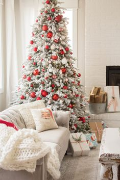 Christmas in the living room – handmadefarmhouse… – Home Decor Apartment
