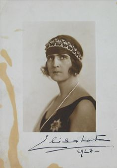 Queen Elisabeth of Greece, nee Romania, unhappy wife of King George II from 1921 to Seen here wearing a jewelled bandeau Romanian Royal Family, Greek Royal Family, Royal Jewels, Crown Jewels, Princess Victoria, Queen Victoria, Kitty Carlisle, King George Ii, Greek Royalty