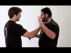 Tutorial Krav Maga Defenses Against Knife Attacks Krav Maga Techniques, Martial Arts Techniques, Self Defense Techniques, Krav Maga Kids, Learn Krav Maga, Aikido, Israeli Krav Maga, Krav Maga Self Defense, Combat Training