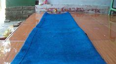 Lovebird in Blue Carpet