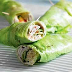 Lettuce wraps with hummus and turkey fillet - Lowcarbchef.nl - Lettuce wraps with hummus and turkey fillet – Lowcarbchef. Clean Eating Plans, Clean Eating Snacks, Clean Lunches, Homemade Ham, Hummus, Healthy Breakfast Casserole, Lowest Carb Bread Recipe, Food Film, Wrap Recipes