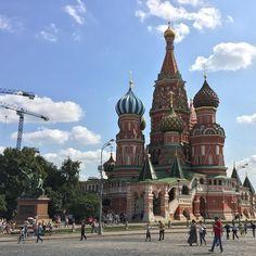 Saint Basil's Cathedral #Moscow #Russia . #remembering #pics #tourism #travel #traveltheworld #traveling #instatravel #instatrip #instatrips #rusia #plazaroja #catedral #sanbasilio #2016 #nofiltres #nofiltres