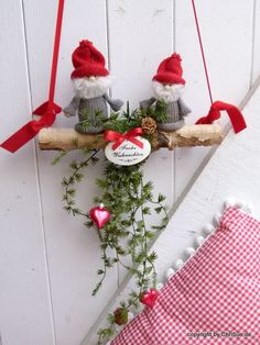"It does not always hang a door wreath on the door. Two gnome friends on a birch tree wish their visitors at the front door ""Happy . Swedish Christmas, Scandinavian Christmas, Christmas Home, Merry Christmas, Christmas Door Decorations, Holiday Decor, Garland Hanger, Navidad Diy, Christmas Crafts"