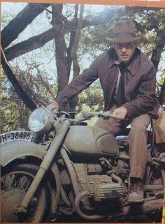 Rare and deleted scenes indiana jones pictures! – Page 68 Rare and deleted scenes indiana jones pictures! – Page 68 Henry Jones Jr, Harrison Ford Indiana Jones, Indiana Jones Costume, Indiana Jones Films, Movies Costumes, Indiana Jones Adventure, Smallville, Movie Tv, Cinema Movies