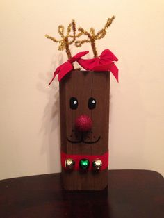 Christmas Gift Decorations, Christmas Crafts For Gifts, Christmas Signs, Christmas Art, Christmas Projects, Halloween Crafts, Christmas Ornaments, Reindeer Christmas, 2x4 Crafts