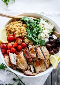 this healthy make-ahead lunch recipe to create a Balsamic Chicken Salad With Lemon Quinoa bowl for your weekday work lunch.Save this healthy make-ahead lunch recipe to create a Balsamic Chicken Salad With Lemon Quinoa bowl for your weekday work lunch. Lunch Recipes, Cooking Recipes, Diet Recipes, Recipes Dinner, Salad Recipes, Dinner Ideas, Easy Cooking, Lunch Ideas Work, Delicious Recipes