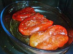 Chi usa il microonde non può non provare a cucinarvi i peperoni. La cottura è molto più rapida e i peperoni risultano perfettamente digeribili, al c