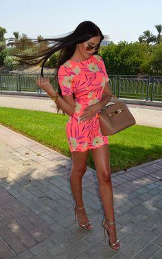 sexyinleather: LAURA BADURA FASHION & BEAUTY: Short & Bright!