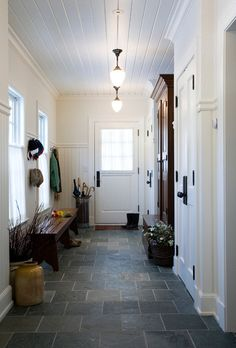 Mudrooms - traditional - entry - boston - Jan Gleysteen Architects, Inc