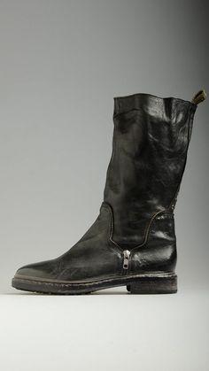 Catarina Martins black boots