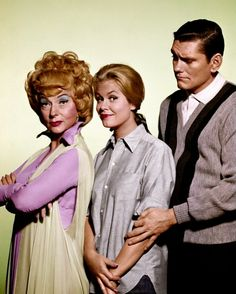 Agnes Moorehead, Elizabeth Montgomery and Dick York, Bewitched