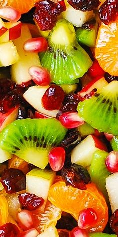 Winter Fruit Salad with Maple-Lime Dressing - healthy, gluten free salad! #Thanksgiving #Christmas #recipe
