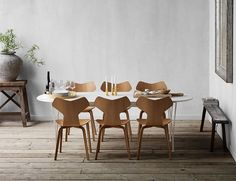 Nordic design classics: Piet Hein: Series Table - Courtesy of Republic of Fritz Hansen. Dining Room Furniture, Room Chairs, Dining Chairs, Wooden Chairs, Cheap Furniture, Discount Furniture, Fritz Hansen, Arne Jacobsen, Office Chairs Online