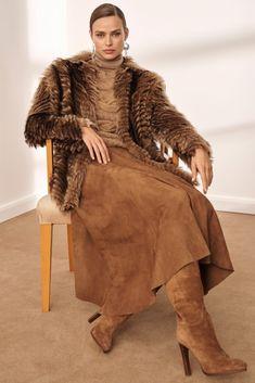 Ralph Lauren Pre-Fall 2019 Fashion Show - Vogue Mode Outfits, Winter Outfits, Fashion Outfits, Estilo Glamour, Mode Simple, Ralph Lauren Style, Ralph Lauren Outfit, Ralph Lauren Fashion, Ralph Lauren Looks