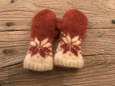 """Excited to share this item from my #etsy shop: Handknitted felted Norwegian wool mittens in design """"Februarvotten"""""""