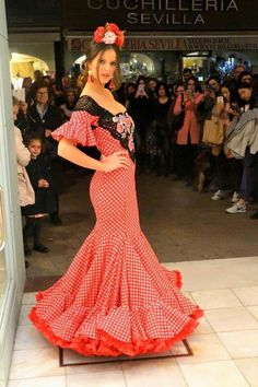 Flamenco Costume, Flamenco Dancers, Dance Costumes, Mexican Style Dresses, Spanish Dance, Just Beauty, Pin Up, Formal Dresses, My Style