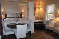 OH..DEAR..LORD!!! - A tiny house with charming farmhouse style