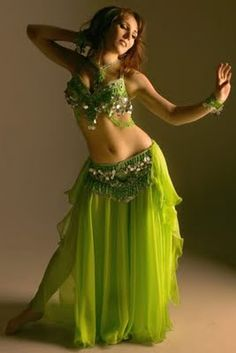 belly dance love this costume Belly Dance Outfit, Tribal Belly Dance, Belly Dance Costumes, Dance Like No One Is Watching, Just Dance, Belly Dancers, Dance Outfits, Zumba, Glamour