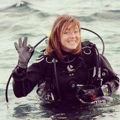 Beautiful redhair girl scuba diving selfie for EudiSelfie :)