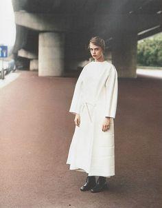 Cara Delevingne: Manchester Division - Purple Fashion by Alasdair McLellan, Fall/Winter Purple Fashion, White Fashion, Photoshoot Inspiration, Style Inspiration, Manchester, Cara Delevingne Style, Textiles, Couture, Editorial Fashion