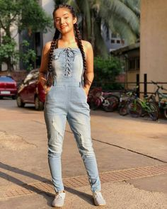 Anushka sen jumpsuit on stylevore Trendy Dresses, Trendy Outfits, Girl Outfits, Cute Outfits, Winter Fashion Outfits, Teen Fashion, Teen Stores, Teen Celebrities, Bollywood Celebrities