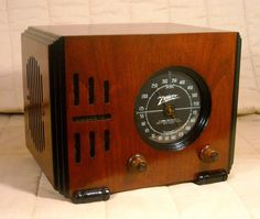 Old Antique Wood Zenith Vintage Tube Radio - Restored & Working Black Dial Cube  #Zenith