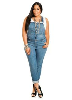 its officially the all over again. Skinny Overall Jeans - Ashley Stewart -- cool! Now where's my Steve Madden chunky and CD? Curvy Girl Outfits, Curvy Women Fashion, Plus Size Outfits, Plus Size Fashion, Cute Outfits, Womens Fashion, Denim Romper, Denim Overalls, Jeans