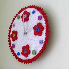 crochet clock inspiration Crochet Diy, Crochet Home, Crochet Ideas, Clocks Inspiration, Yarn Crafts, Diy Crafts, Mundo Craft, Cute Watches, Fabric Yarn