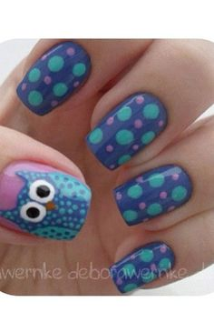 Blue owl nails