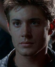 [GIF] Dark Angel- he's so young!!!!
