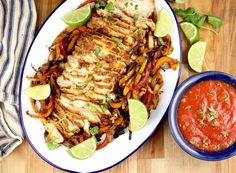 Grilled Chicken Fajitas {with grilled vegetables} - Out Grilling Grilled Chicken Fajitas, Grilled Chicken Thighs, Grilled Chicken Recipes, Grilled Vegetables, Chicken And Vegetables, Secret Sauce Recipe, Brown Sugar Pork Chops, Mexican Food Recipes, Mexican Dishes