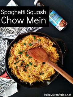Spaghetti Squash Chow Mein (Paleo, nut free, vegetarian, AIP) I'll be omitting the pepper and sesame seeds Veggie Recipes, Asian Recipes, Whole Food Recipes, Cooking Recipes, Asian Foods, Gf Recipes, Skinny Recipes, Kitchen Recipes, Turkey Recipes