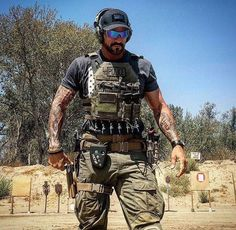 Airsoft hub is a social network that connects people with a passion for airsoft. Talk about the latest airsoft guns, tactical gear or simply share with others on this network Tactical Beard, Tactical Life, Tactical Equipment, Military Equipment, Tactical Operator, Military Special Forces, Us Special Forces, Airsoft Gear, Combat Gear