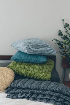 Sarah Hatton Knits: 10 Simple Projects for Cosy Homes, McA direct