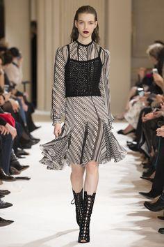 Giambattista Valli Autumn/Winter 2017 Ready to Wear Collection