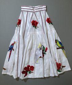 いいね!1,526件、コメント1件 ― ginza magazineさん(@ginzamagazine)のInstagramアカウント: 「編集Yが今欲しいもの✨「カラフルな刺繍がかわいいロングスカートは、ニットやタイツと合わせて肌寒い時期から使える、いち早く手に入れたい春夏アイテム。NY出身のデザイナーによってウクライナのアトリエで生み出されるブランド、〈ファン…」